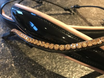 Noseband with Rosé Gold underlay padding rounded leather